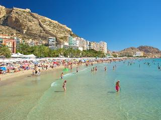 Alicante central bright apartment, close to beach - Alicante vacation rentals