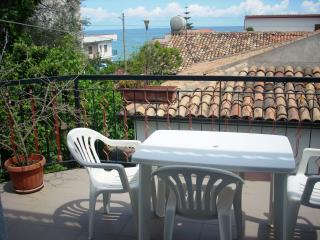 Nice 2 bedroom Townhouse in Caronia - Caronia vacation rentals