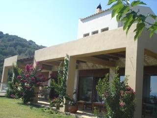 Bright 2 bedroom Edipsos Villa with A/C - Edipsos vacation rentals