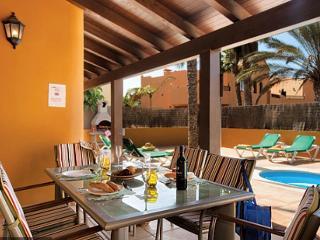 Villa with private swimming Pool near to center - Corralejo vacation rentals
