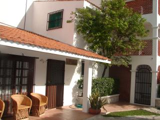 Casa La Roja Cozumel 5 Bedroom Villa - Cozumel vacation rentals