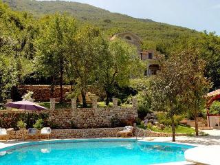 Perfect 3 bedroom Morinj Villa with Deck - Morinj vacation rentals