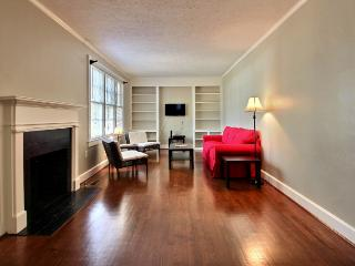 Executive 3 BR / 2 BA Savannah Home - Savannah vacation rentals