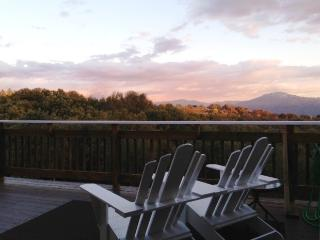 Sunrise Suite - Yosemite - King bed - Views - Wifi - Yosemite Area vacation rentals