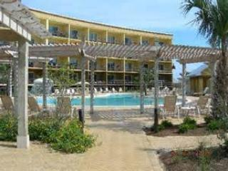 Beach Resort - Beach Resort  *Beautiful zero-entry pool* - Destin - rentals