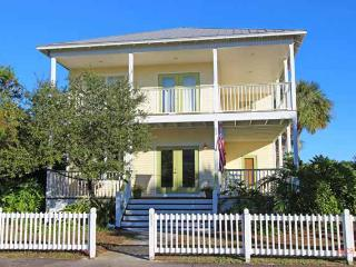 Mellow Yellow, 5/3, Pool, Golf Cart, Crystal Bch - Destin vacation rentals