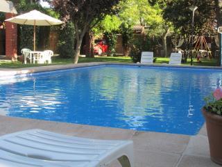 MENDOZA. TEMPORALY RENT IN RESIDENTIAL AREA. - Province of Mendoza vacation rentals