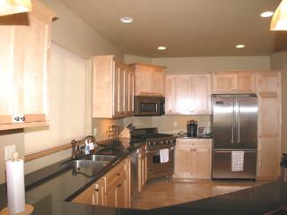 Perfect 3 bedroom Coeur d'Alene House with Deck - Coeur d'Alene vacation rentals