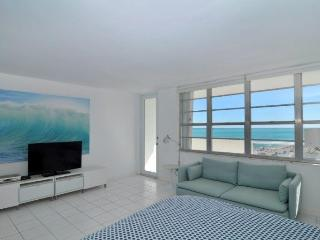 Lincoln Rd Decoplage Ocean view, Blacony Studio - Miami Beach vacation rentals