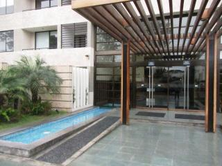 2 Bed, Condo club house close 6 block Larcomar - Lima vacation rentals