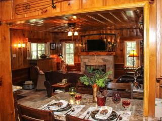 HISTORIC HERSHEY CABIN, ROMANTIC, COZY, JUST FOR 2 - Lake Arrowhead vacation rentals