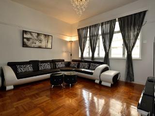 Stunning 3 bedroom apartment Hong Kong - London vacation rentals