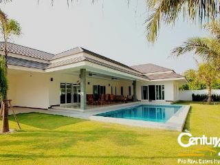3 Bedroom Pool Villa near Palm Hills Golf  Course - Hua Hin vacation rentals