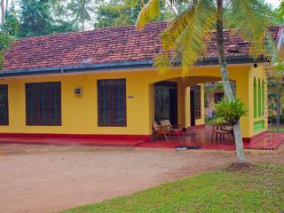 Yellow house - Sri Lanka vacation rentals