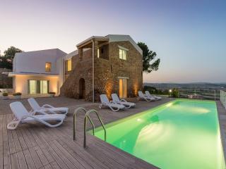 Perfect 1 bedroom Notaresco Condo with Internet Access - Notaresco vacation rentals