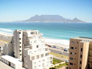 Blouberg stay with spectacular views of Cape Town - Cape Town vacation rentals