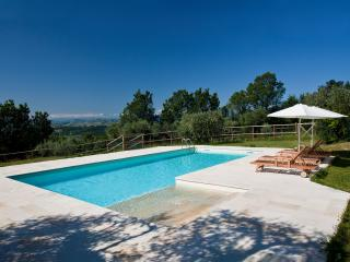 Blue  flat in farmhouse with pool in Montegiorgio - Montegiorgio vacation rentals