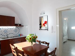 Gallipoli (Taviano) Casa Portaccio, sei posti nel Centro Storico - Taviano vacation rentals