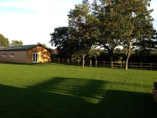 Comfortable Cottage with Internet Access and Satellite Or Cable TV - Burton on the Wolds vacation rentals