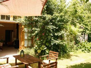 Cozy 2 bedroom Gite in Aubeterre-sur-Dronne - Aubeterre-sur-Dronne vacation rentals