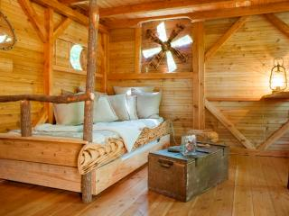 Loire Valley Cabane du Pêcheur Treehouse and SPA - Langeais vacation rentals