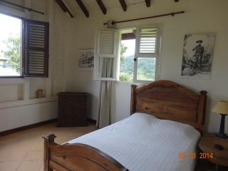 Cozy 2 bedroom Bungalow in Le Morne-Rouge with Internet Access - Le Morne-Rouge vacation rentals
