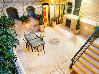 BOUTIQUE BAKA 2 BEDROOM WITH STUNNING COURTYARD - Israel vacation rentals