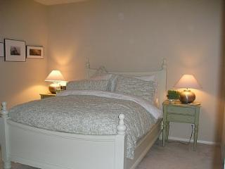 'SERENITY' - YOUR NEW TOWNHOUSE IN ORANGE COUNTY - Orange County vacation rentals
