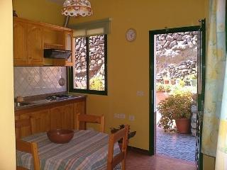 Cozy Condo with Internet Access and Garden - Vueltas vacation rentals