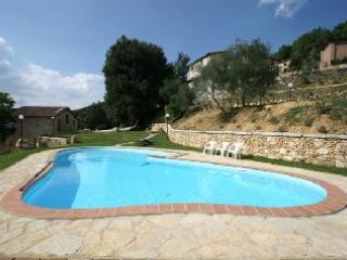 Comfortable Condo with Grill and Satellite Or Cable TV - Sovicille vacation rentals