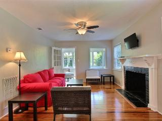 Executive 3 BR / 1 BA Savannah Home - Savannah vacation rentals