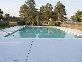 Townhouse near Emerald Isle on Golf Course - Swansboro vacation rentals