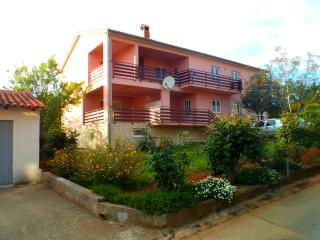 Banjole, private apartment, south Istria 2+2 pers. - Banjole vacation rentals