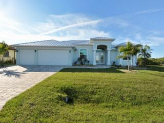 Gorgeous 3 bedroom Port Charlotte House with Internet Access - Port Charlotte vacation rentals