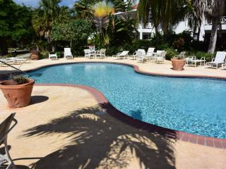 Bright 2 bedroom Frigate Bay Condo with Internet Access - Frigate Bay vacation rentals