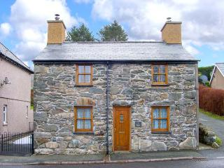 TY MAWR, pet-friendly character cottage with garden, close mountains and beaches, Manod Ref 27727 - Manod vacation rentals