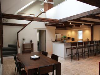 Luxury Apartment Over Brook, Near Village - Woodstock vacation rentals