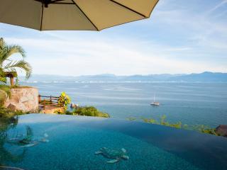 Casa Chula Vista 5 bedroom Villa Riviera Nayarit - La Cruz de Huanacaxtle vacation rentals