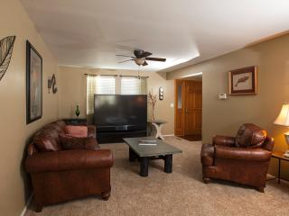 Perfect House with Internet Access and Dishwasher - Golden vacation rentals