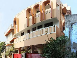 SH Flat # 201 AC Guards, Hyderabad - Hyderabad vacation rentals