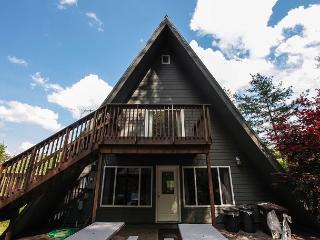 Fallswood Lodge | Hocking Hills - Logan vacation rentals