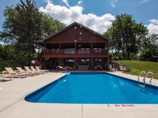 Hocking Hills Hilltop Lodge Rental - Laurelville vacation rentals