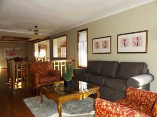 3 bedroom House with Dishwasher in Pickering - Pickering vacation rentals