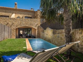 A Splendid XVIII Century House with Garden & Pool - Costa Brava vacation rentals