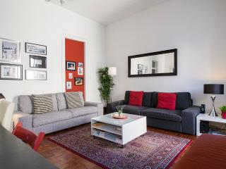 Downtown Lisbon, 5 rooms from 1 to 16 people - Lisbon vacation rentals