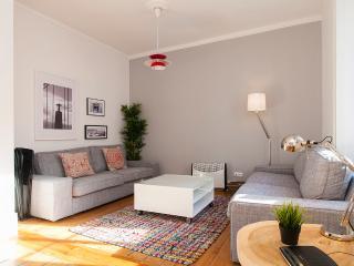 Downtown Duplex, 5 Rooms, 20 Guests - Abrantes vacation rentals