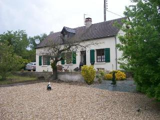 Wonderful 3 bedroom Farmhouse Barn in Le Lude with Satellite Or Cable TV - Le Lude vacation rentals