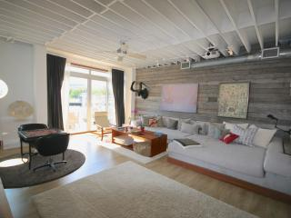 Waterfront 2,800 sq.ft. Art Loft - Coconut Grove vacation rentals