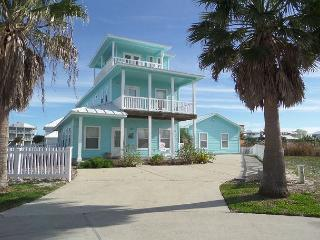 Great home in Mustang Royale, Tripp's Landing, Pet Friendly, WIFI, POOL - Port Aransas vacation rentals