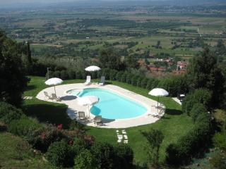 Apartament 'Glicine' - Province of Arezzo vacation rentals